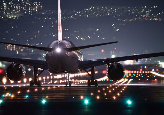 night-flight-2307018_640